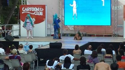 Cosplay un po' particolare di Lamù sul palco 2